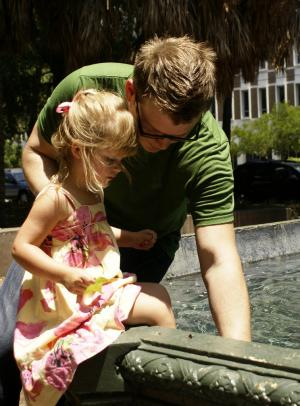 """Review: """"What Every Dad Should Know About His Daughter"""""""