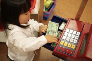 The Kids-and-Finances Guide for Parents